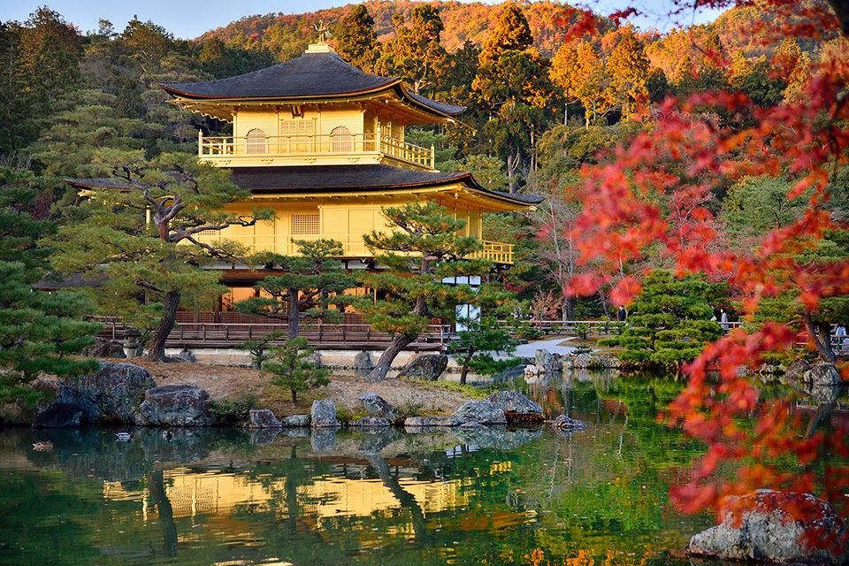 京都の観光スポットで一二の知名度だとしても、やはり整理しておきたいのが金閣寺についてのあれこれ
