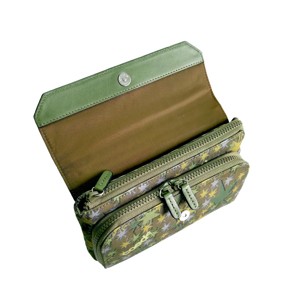 Stella Misto Flap wallet pochette green
