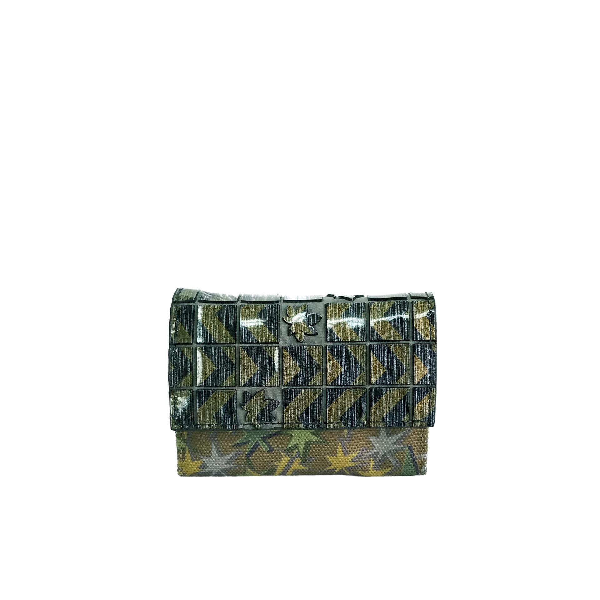 京都限定のELISIR caede KYOTO | エリシアカエデ京都のバッグシリーズ Stella Misto Flap Mini wallet green