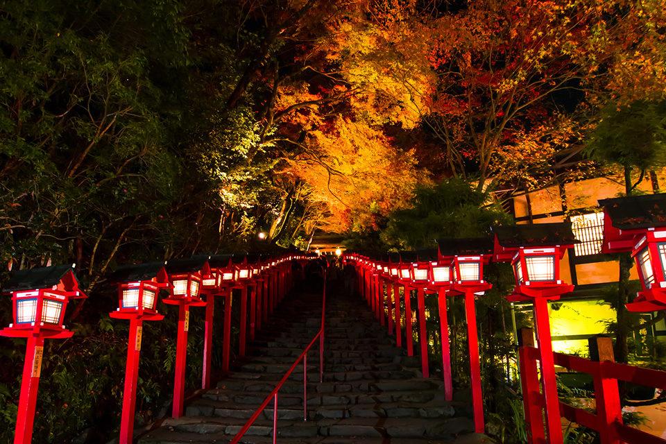 貴船神社本宮参道のライトアップ
