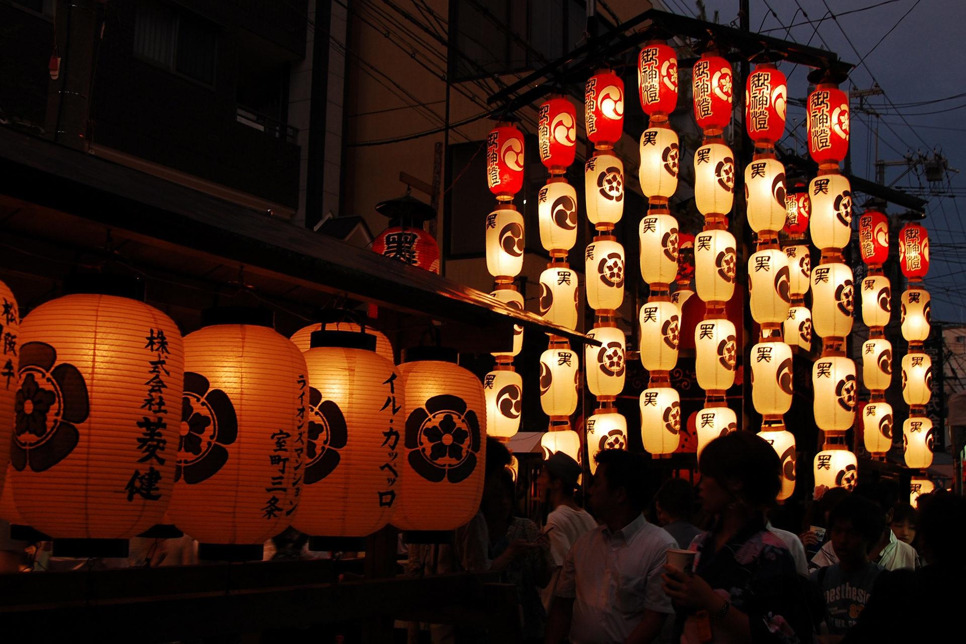 京都市東山区の八坂神社