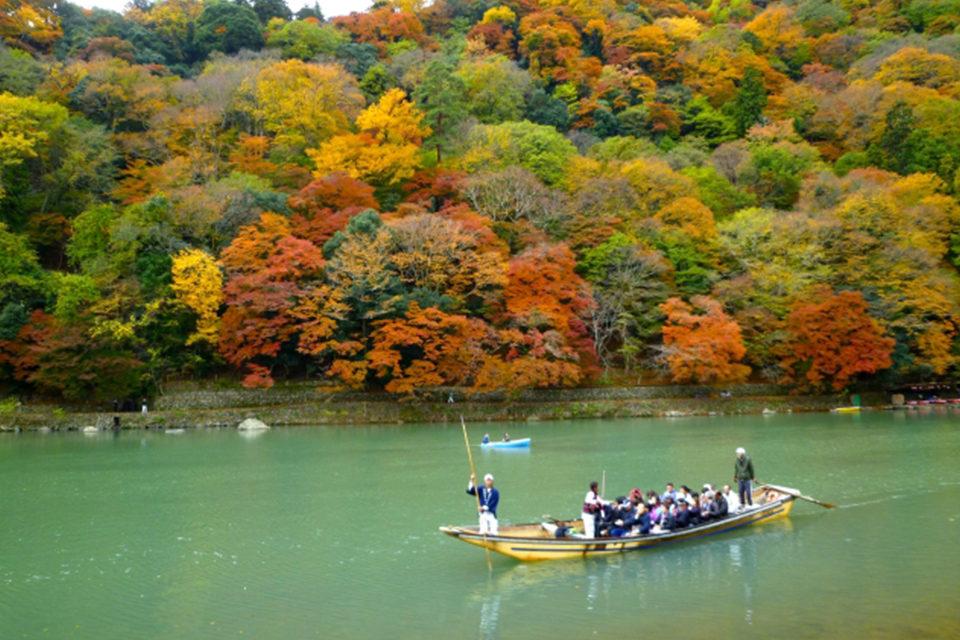 京都・嵐山の紅葉が最も美しい時期は?嵐山の紅葉の見ごろと見どころをまとめました!!