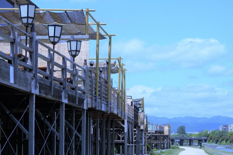 京都鴨川の納涼床