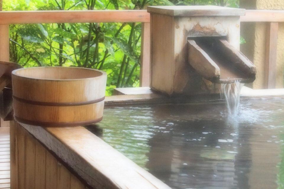 紅葉狩りの際に日帰り温泉はいかがでしょうか?!秋の京都で冷えた身体を温めましょう!