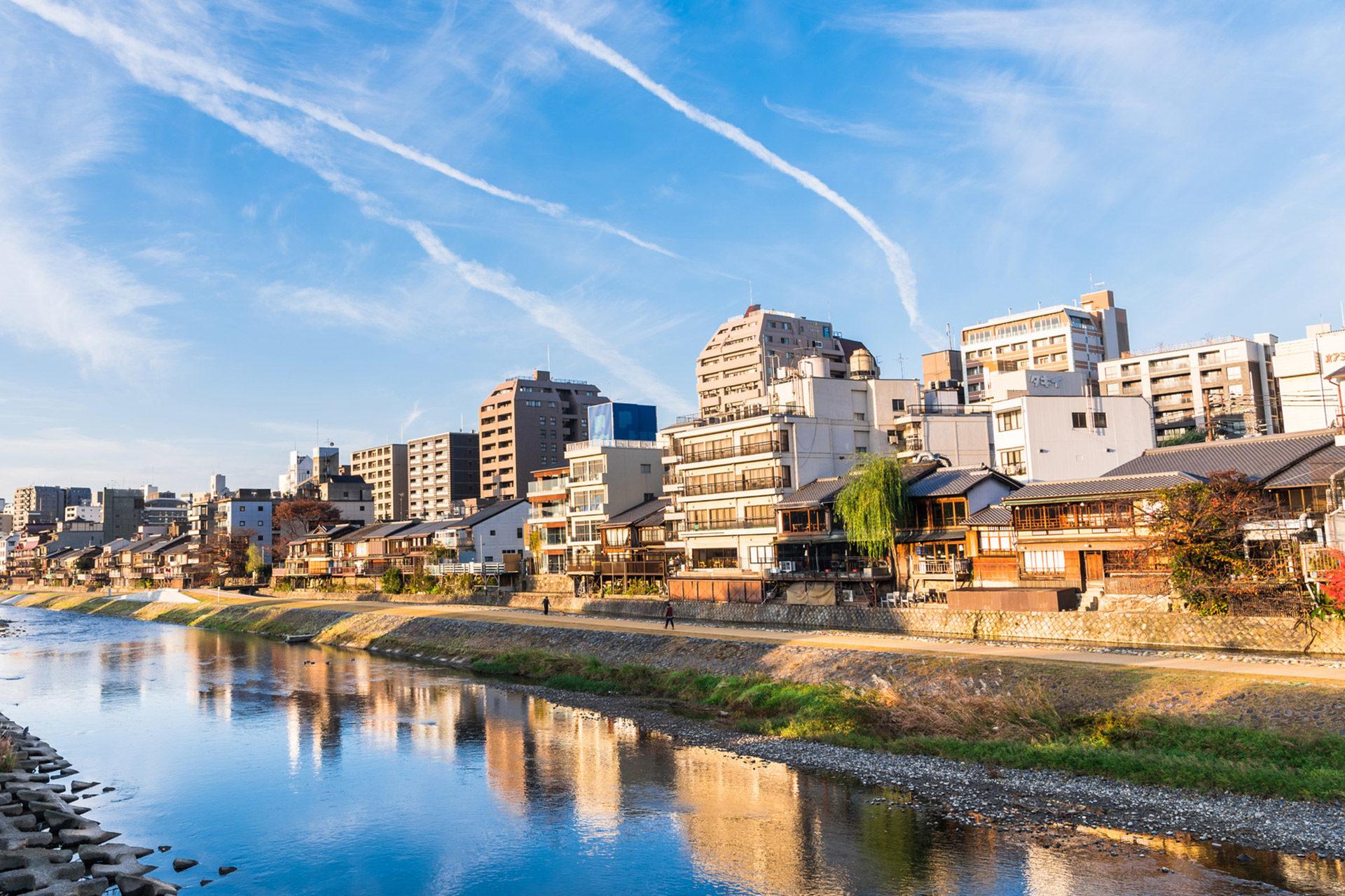 京都-鴨川-納涼床