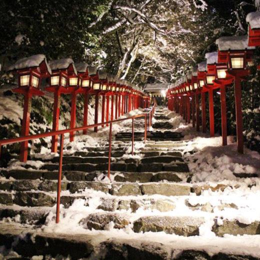 京都の貴船神社ライトアップ