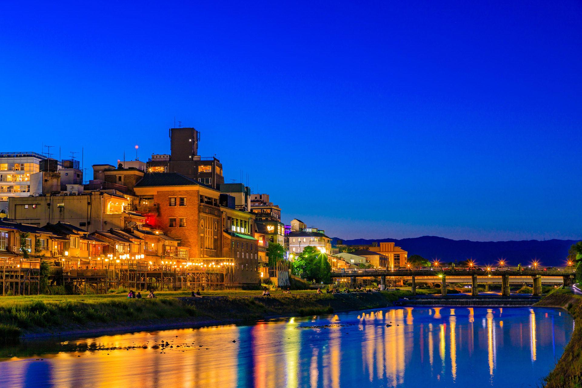 京都-鴨川-ライトアップ